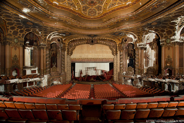 After the Final Curtain: The Abandoned Loew's Kings Theatre in Brooklyn