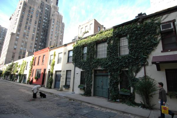 6 Hidden Alleys and Small Private Streets in NYC's Greenwich Village