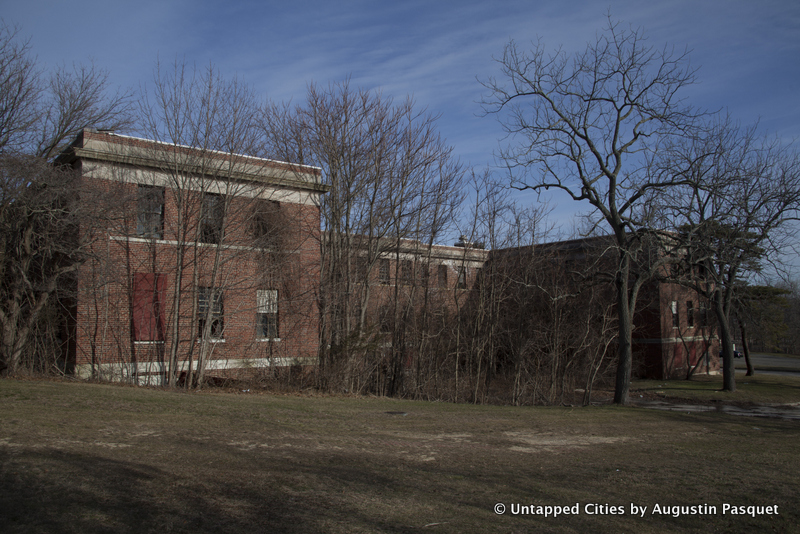 Kings Park Psychiatric Center Hospital-Abandoned-Nissoquogue State Park-Long Island-NYC_27