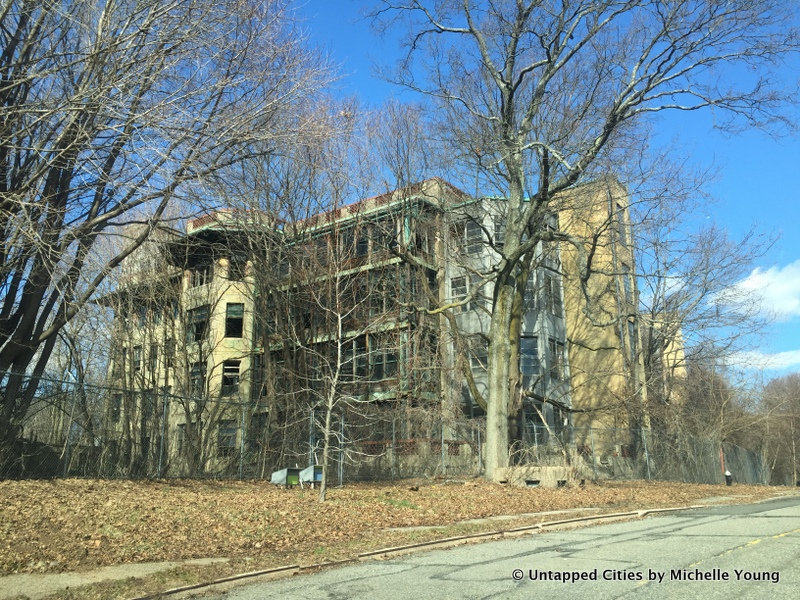 Abandoned-Sea-View-Hospital-Buildings-Staten-Island-NYC-010
