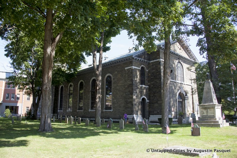 kingston-hudson-valley-stockade-historic-district-old-dutch-church