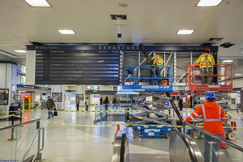 Penn Station Departure Board-Removal-Demolition-2017-NYC-013