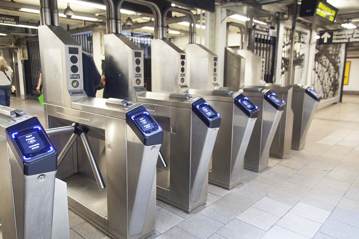 Contactless Payment in the NYC Subway is About to Launch Replacing the MetroCard (Eventually)
