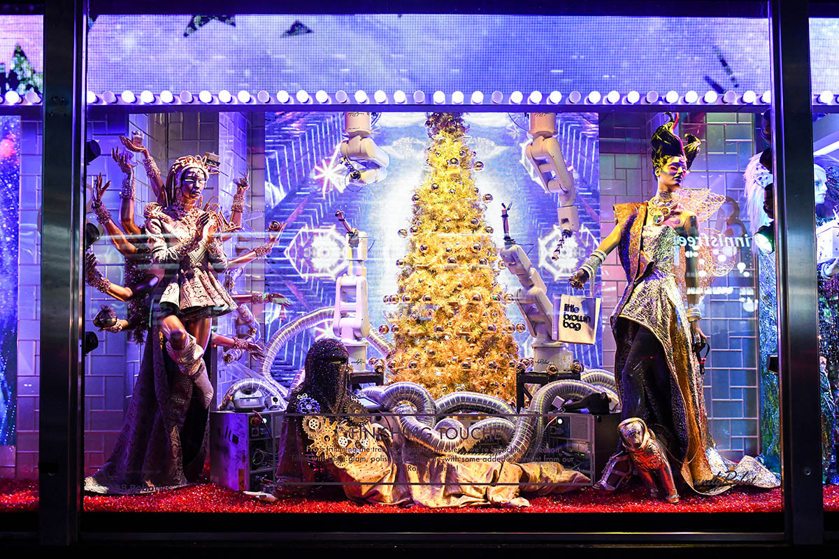 6 Stunning NYC Holiday Windows to Take In This Year