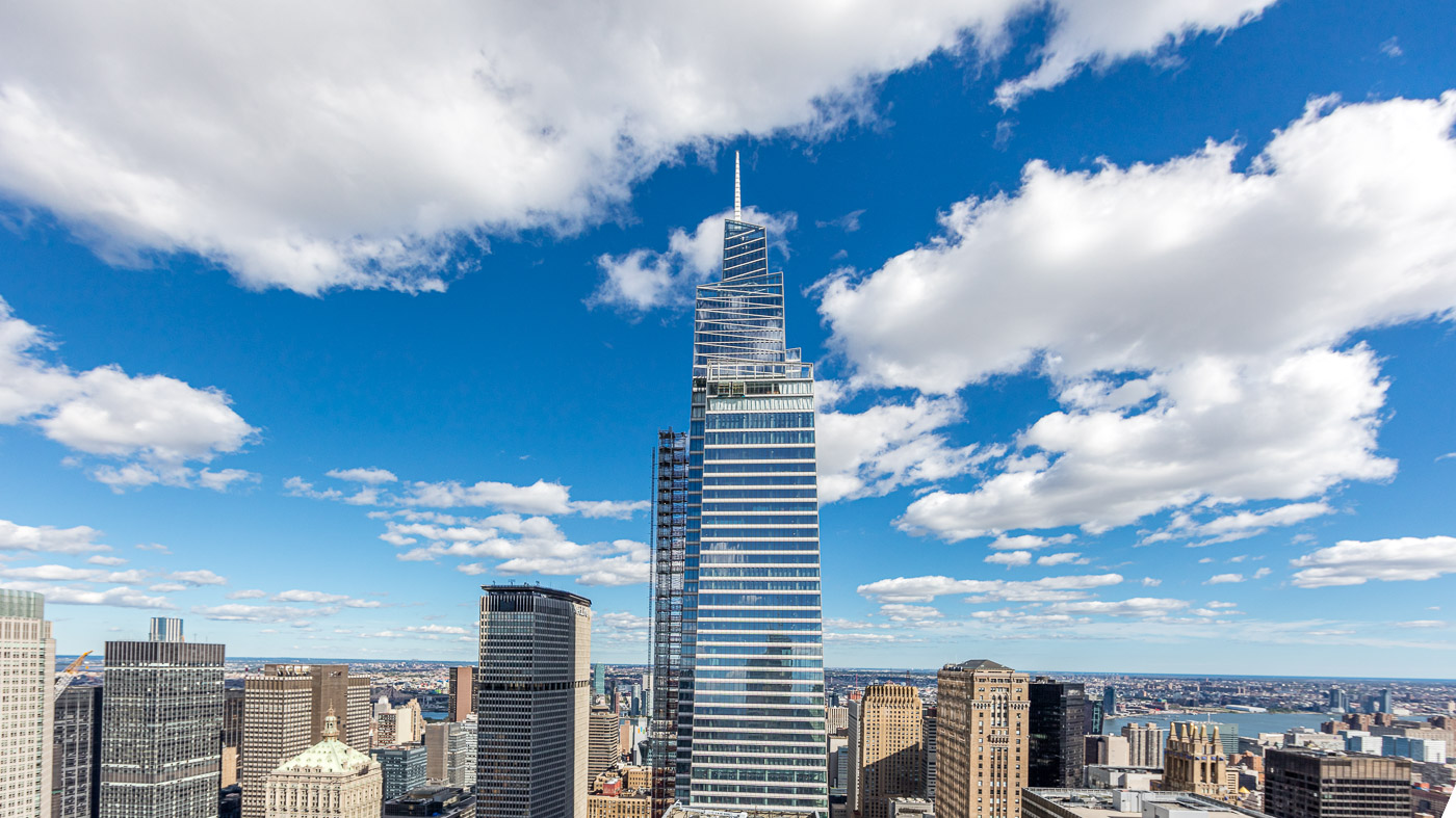 One Vanderbilt skyscaper in nyc skyline