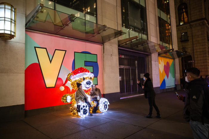 A giant glowing Teddy bear on Fifth Avenue