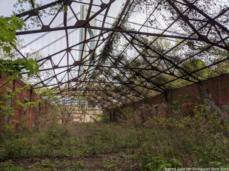 Fort Wadsworth abandoned structure